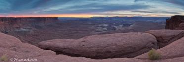 Canyonlands panorama from the canyon rim.